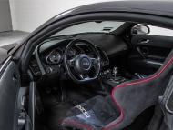 R8-interior