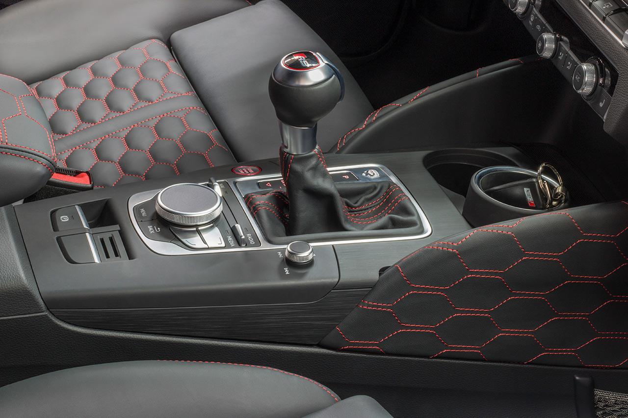 MTM RS3 R interior